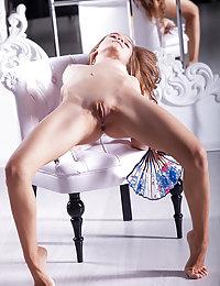nude Tempting striptease